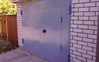 Чем лучше утеплить ворота в гараже