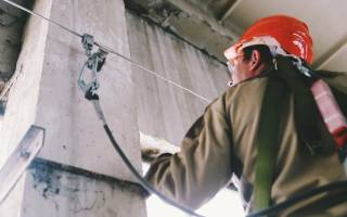 Средства индивидуальной защиты для работы на высоте: где купить и что необходимо знать при выборе