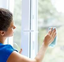 Как снять клейкую ленту со стекла?