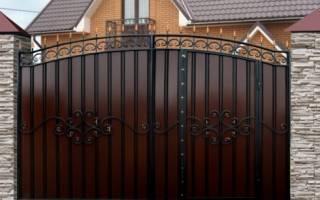 Выбираем забор или ворота для дачи в Москве