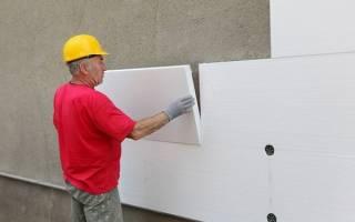Как крепить пенопласт к кирпичной стене?