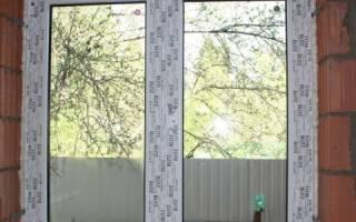 Как вставить окно в кирпичную стену