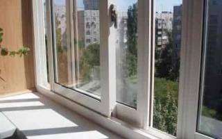 Как лучше остеклить балкон пластиком или алюминием