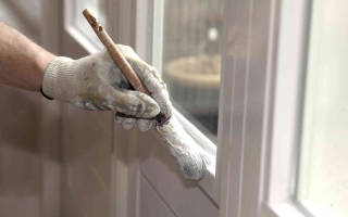 Как покрасить окна не испачкав стекла