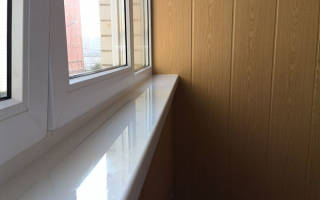 Как крепить пластиковый подоконник на балконе